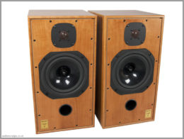 harbeth c7es3 speakers review 02 front