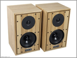 harbeth p3esr speakers 40th anniversary review 01 front